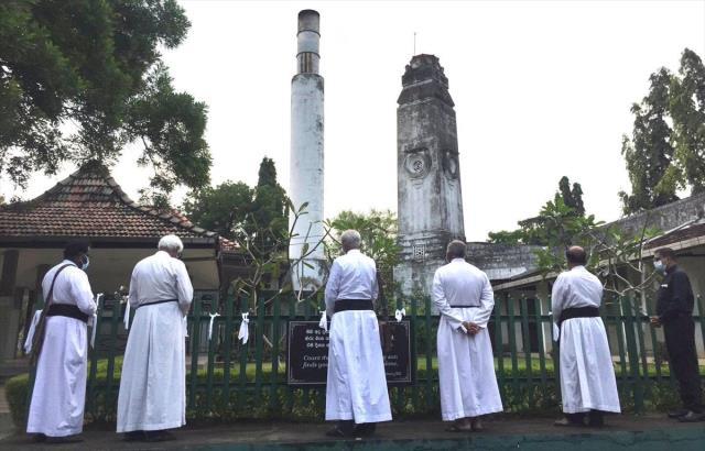 Koronadan ölenlerin yakılma zorunluluğu Sri Lanka'da Müslümanları ayağa kaldırdı