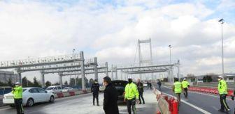 15 Temmuz Şehitler Köprüsü: Son dakika! 15 Temmuz Şehitler Köprüsü girişinde otomobil yandı, trafik oluştu