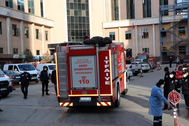 Son Dakika! Gaziantep'te bir hastanenin koronavirüs yoğun bakım servisinde oksijen tüpü patladı: 8 kişi hayatını kaybetti