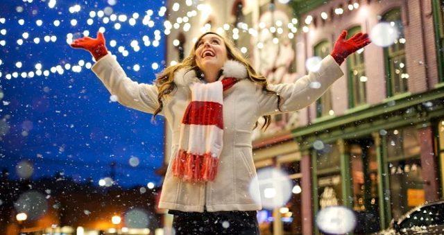 Πότε είναι οι αμερικανικές διακοπές των Χριστουγέννων;  Σε ποια χώρα είναι σωστός ο Άγιος Βασίλης;  Ποια είναι η διαφορά μεταξύ των Χριστουγέννων και της Πρωτοχρονιάς;