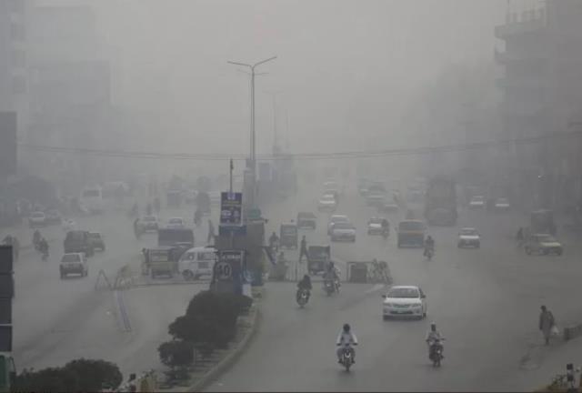 Hindistan'da hava kirliliği nedeniyle bir yılda 1,67 milyon insan hayatını kaybetti