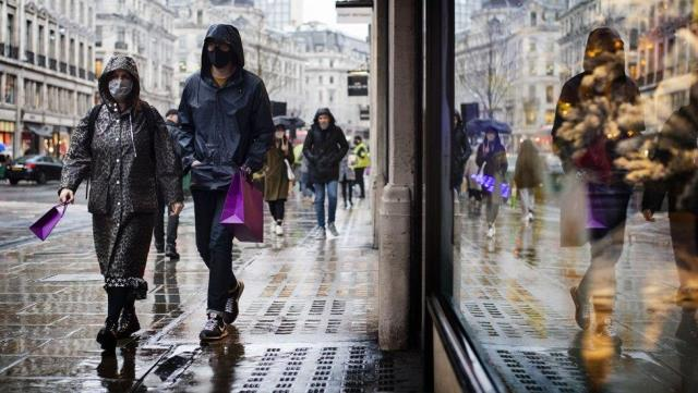Covid: İngiltere'de enfeksiyon seviyesinde keskin bir yükseliş yaşanıyor