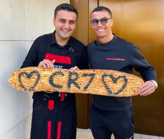Portekizli yıldız Cristiano Ronaldo, CZN Burak'ın restoranını ziyaret etti  | Haberler.com Spor