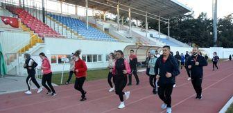 Polis Özel Harekat: Isparta'da gençler özel yetenek sınavlarına ücretsiz kursla hazırlanıyor