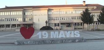 Selvi Boylum Al Yazmalım: Yeşilçam replikleri ile hazırlanan afişlerle Kovid-19 farkındalığı oluşturuluyor