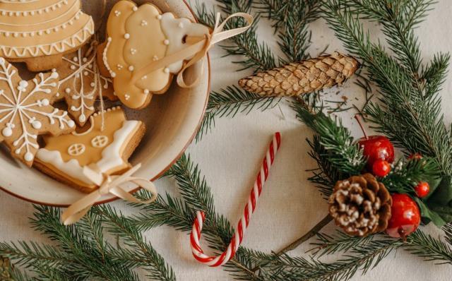 Yılbaşı İçin Tatlı Tarifleri   Yılbaşı menüsüne özel hangi tatlılar yapılır? En pratik ve lezzetli yılbaşı tatlıları!