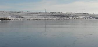 Kars: Son dakika haberleri: Turistler Çıldır Gölü'ndeki masalsı kış güzelliğinin keyfini çıkarıyor