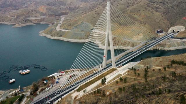 16 ilin geçiş noktasında bulunan Kömürhan Köprüsü açıldı