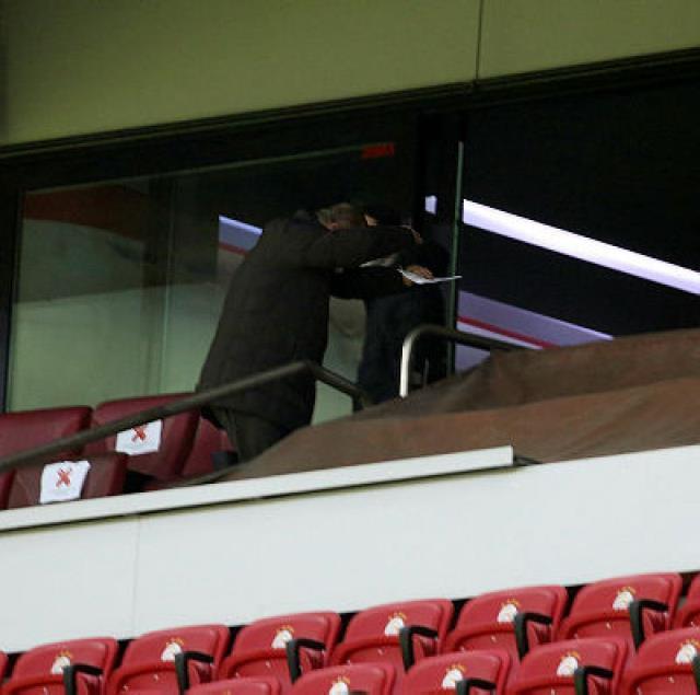 Galatasaray Teknik Direktörü Fatih Terim, beraberlik sonrası adeta yıkıldı