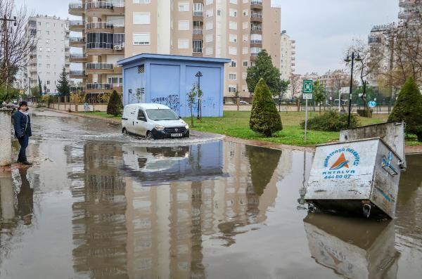 Antalya'da sağanak etkili oldu (2)