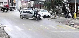 İzzet Baysal: Son dakika gündem: Otomobille motosikletin çarpıştığı kaza kamerada