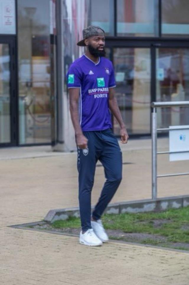 Tesislere Anderlecht formasıyla gelen Antwerp'li Lamkel Ze, idmana alınmadı