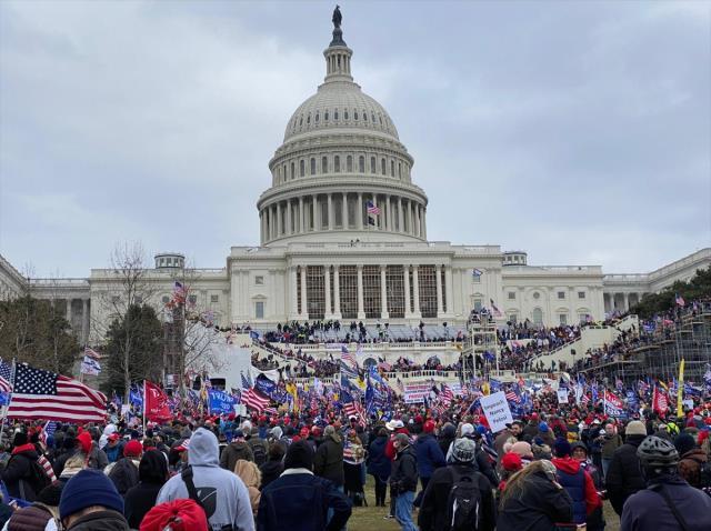 Amerika'da Kongre baskınının ardından Beyaz Saray'daki istifa sayısı 5'e yükseldi