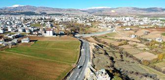Bahçecik: Asfalt çalışması tamamlanan Millet Caddesi trafiğe açıldı