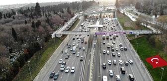 E 5: Kısıtlama öncesi trafik durma noktasına geldi