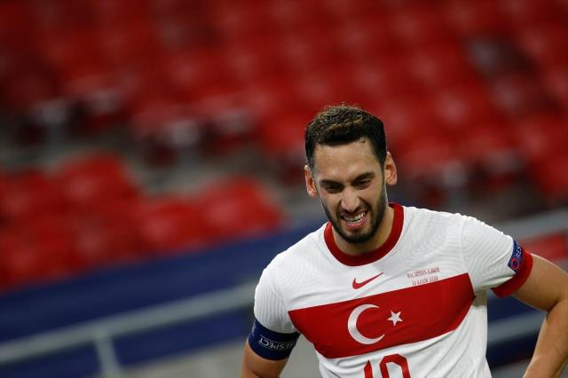 Hakan Çalhanoğlu words from Stefano Pioli: Contract issue becomes clear this month