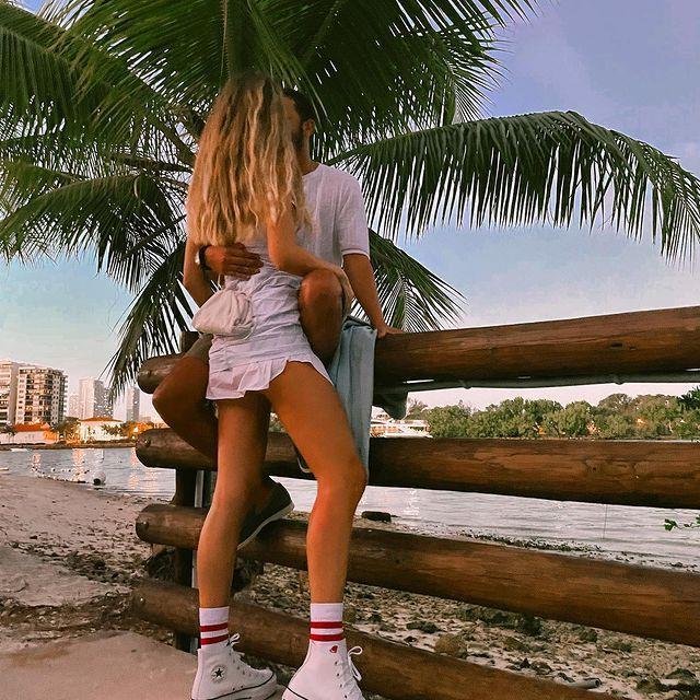 Karayipler'de tatil yapan Şeyma Subaşı, lüks tekneden bikinili pozlarını paylaştı