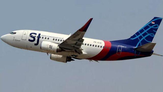 Son Dakika! Endonezya'da iç hat seferi yapan yolcu uçağı denize düştü