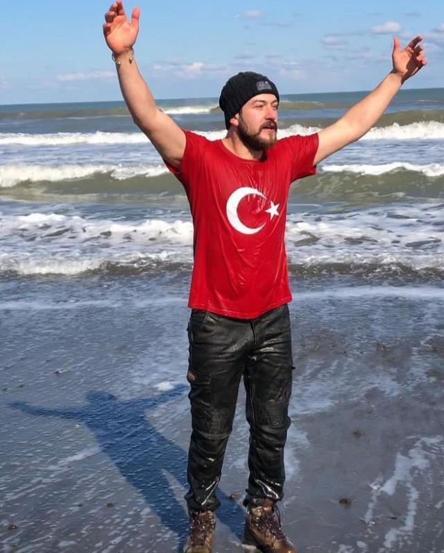 Survivor Reşat Hacıahmetoğlu kimdir? Survivor Gönüllüler takımı Reşat Hacıahmetoğlu kaç yaşında, nereli? Reşat Hacıahmetoğlu Instagram hesabı ne?