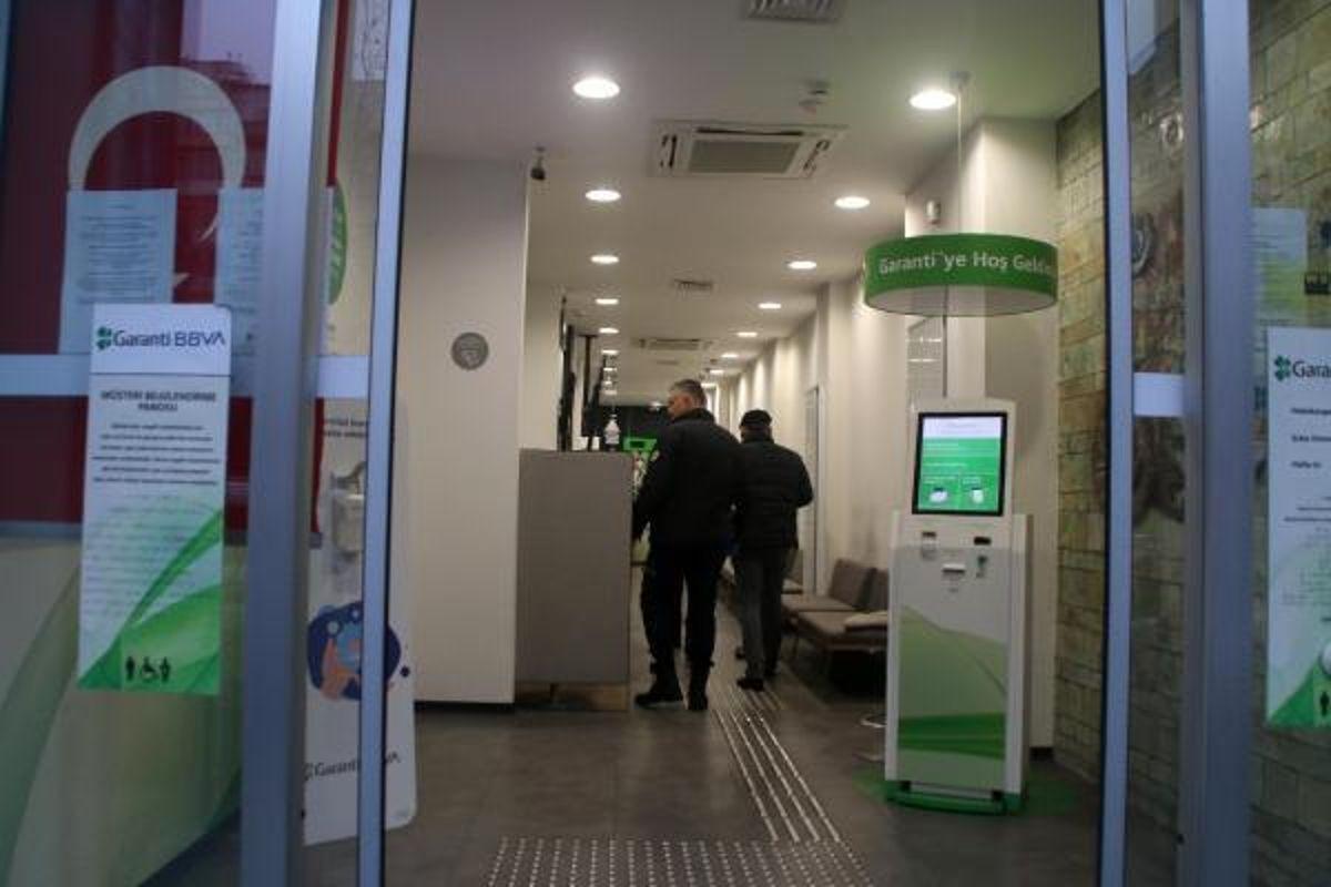 Şişli'de bankaya giren hırsızlar elektrikli ısıtıcı çaldı (1)