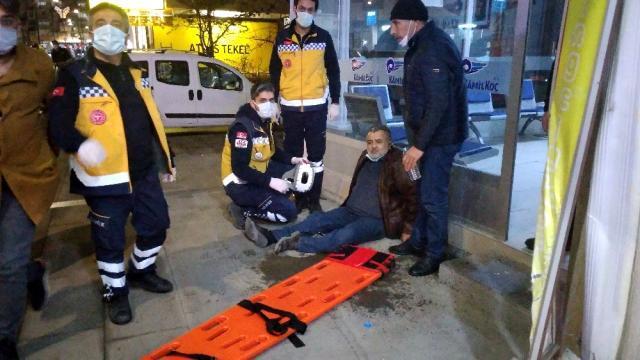 'Dur' ihtarına uymayan ehliyetsiz sürücü önce otomobile ardından yayalara çarptı: 4 yaralı