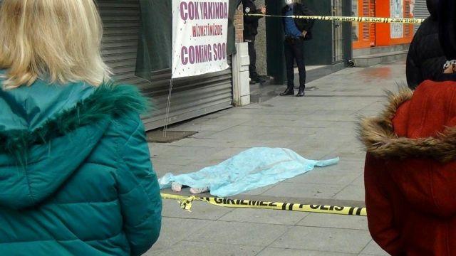 Emekli kadın, 6'ıncı kattaki evinin penceresinden düşerek feci şekilde yaşamını yitirdi