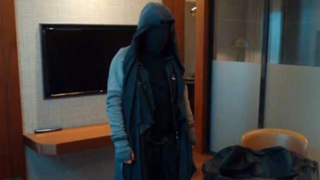 Çukurdaki maskeli kim? Çukur maskeli dövüşçü adamın adı ne? Çukur'daki gizemli adam kim?