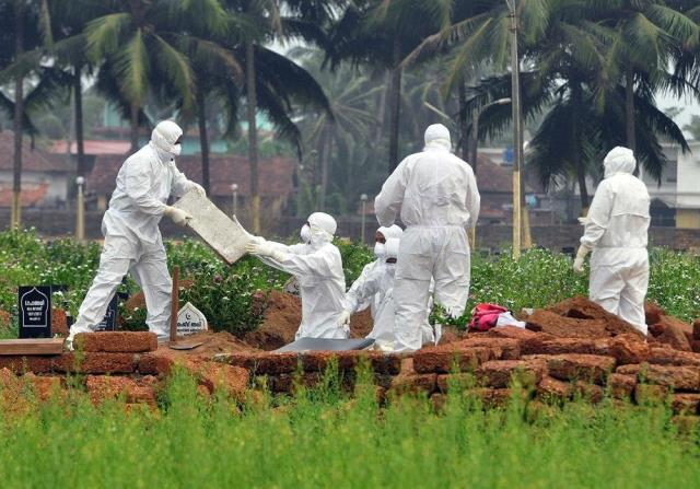 Dünya koronavirüsle mücadele ederken ölüm oranı yüzde 75'e kadar çıkan yeni hastalık kapıda: Nipah virüsü