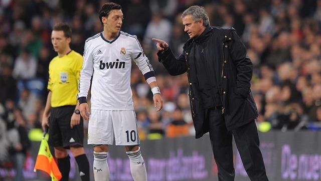 Mesut Özil angered his former teacher Mourinho!  The famous coach reacted to his words