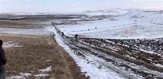 Kars: Kars'ta geleneksel at yarışları; 7,5 kilometrelik parkurda 'Umut Efe' birinci