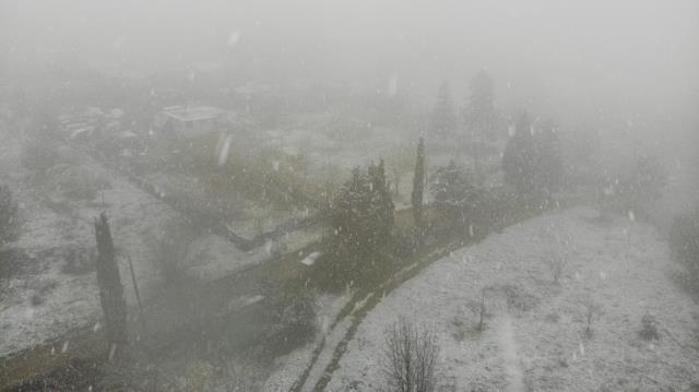 Son Dakika! İstanbul'da beklenen kar yağışı Anadolu Yakası'nda başladı
