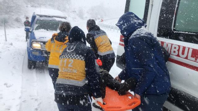 Son Dakika! Zonguldak'ta yolcu otobüsü devrildi, kazada yaralılar var