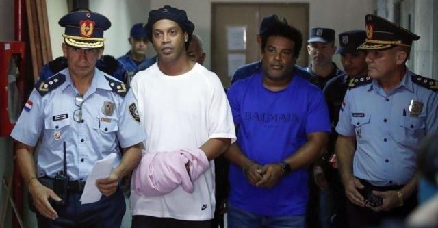 Efsane futbolcu Ronaldinho, müstehcen görüntülerin olduğu klipte oynadı