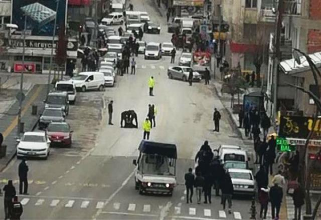 Sokak ortasında dehşet! Pompalı tüfekle rastgele havaya ateş açtı