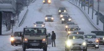 Bursa: Bursa'da kar sonrası sürücüler zor anlar yaşadı