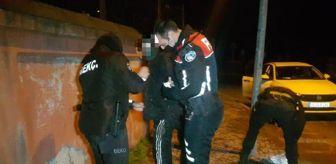 Edirne: Sokağa çıkma kısıtlamasında, üzerinde uyuşturucuyla yakalandı