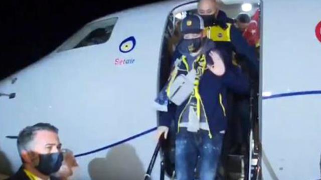 Fenerbahçe'nin anlaşmaya vardığı Mesut Özil, İstanbul'a geldi