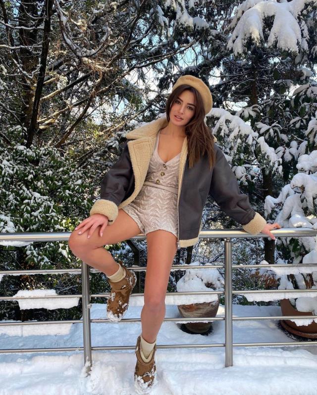 Oyuncu Zehra Yılmaz, kar pozuyla takipçilerini mest etti