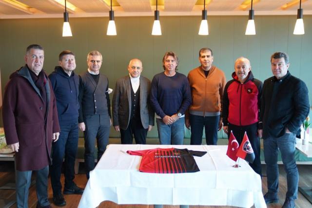 Gaziantep FK, teknik direktör Ricardo Sa Pinto ile sözleşme imzaladı