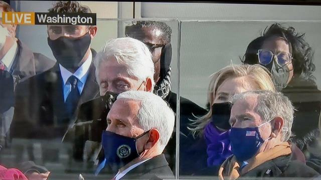 Eski ABD Başkanı Bill Clinton, Joe Biden'ın yemin töreninde uyuyakaldı