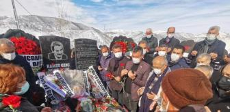 Kamer Genç: Kamer Genç, memleketi Tunceli'de mezarı başında anıldı