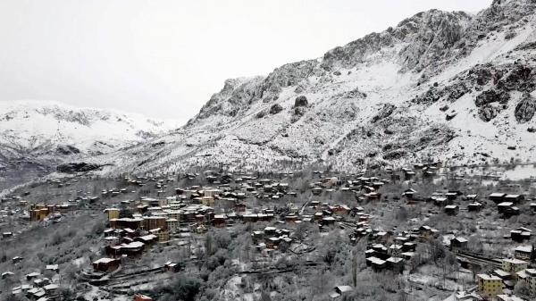 Kemaliye, kar yağışı sonrası havadan görüntülendi