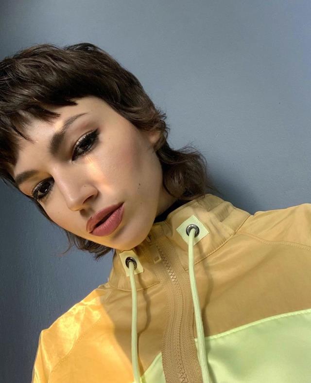 'La Casa de Papel' dizisinin Tokyo'su Ursula Corbero, üstsüz pozlarıyla takipçilerini mest etti