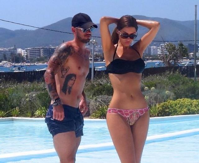 G.Saray'ın eski yengesi Yolanthe Cabau bikinili cesur pozuyla göz kamaştırdı