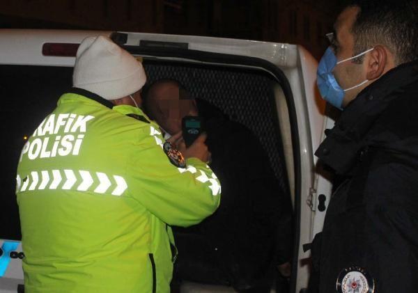 Son dakika haber... Kısıtlamada uyuşturucu ile yakalanan sürücüye gözaltı
