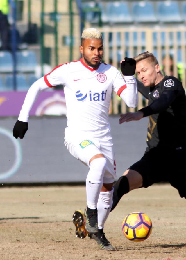 Süper Lig ekiplerinden Antalyaspor'a transfer yasağı getirildi