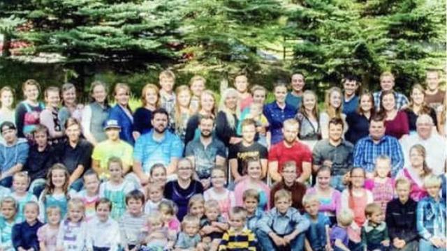 TikTok fenomeni genç takipçilerini dumura uğrattı: 27 annem, 149 kardeşim var