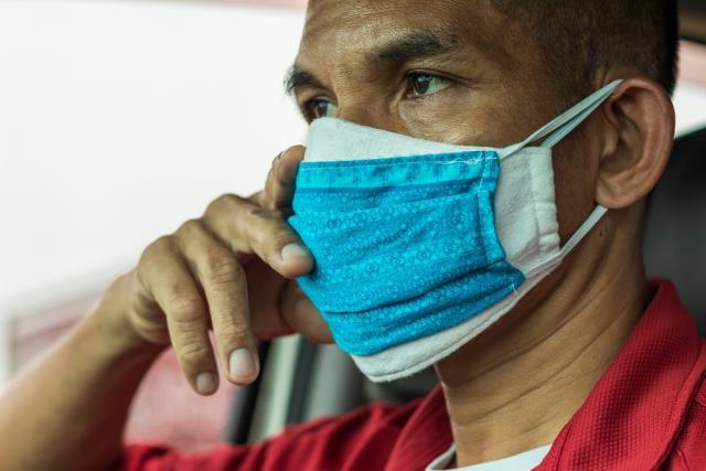 abd li bilim insanlari katmanli maske takmayi 13893398 684 m