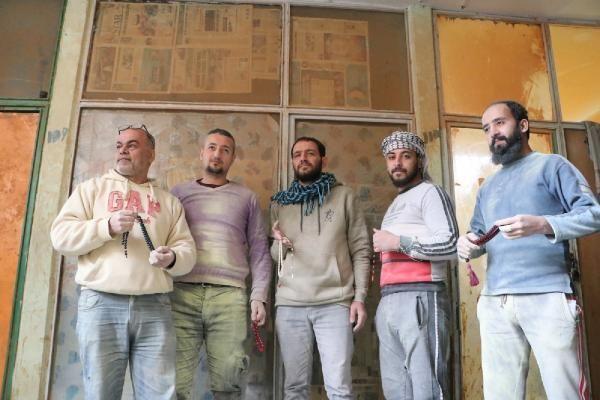 İç savaştan kaçan Suriyeli avukat ve öğretmen, Şanlıurfa'da tesbihçi oldu