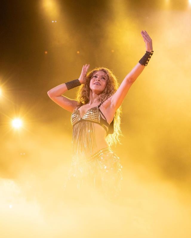 Dünyaca ünlü şarkıcı Shakira'nın son halini gören takipçileri mest oldu